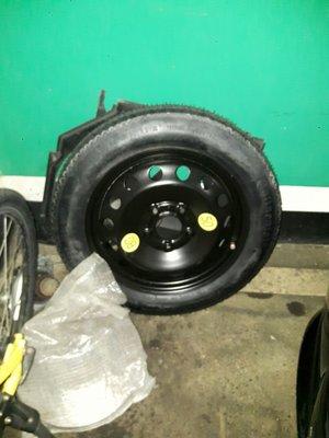備胎(無使用過)e46車用其他尺寸相符著也可用5孔120