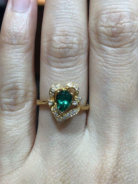 60分天然綠曜石鑽石戒指,顏色漂亮鑽石白亮,適合平時配戴輕珠寶,超值優惠價12800元