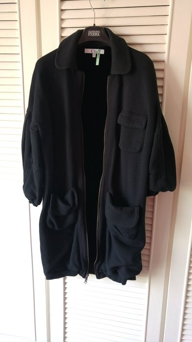 紐約新銳設計師 Clu 時尚品牌 黑色拉鍊內裡全絲絨蓬蓬袖繭式大衣外套