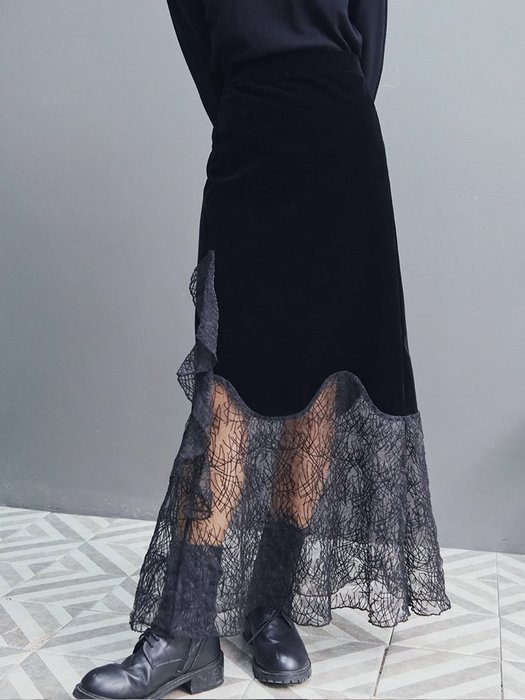 Dark.Q DQ 暗黑復古絲絨拼接蕾絲半身長裙