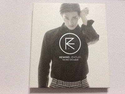 ~拉奇音樂~ SUPER JUNIOR-M 周覓 首張迷你專輯 REWIND二手保存良好片況新有簽名 附小卡。韓國版。