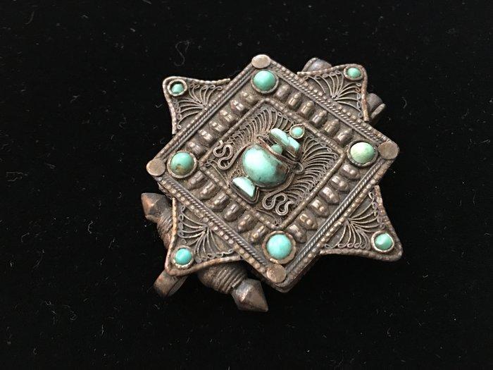 *藏雅軒*藏銀鑲鑄綠松石珊瑚-西藏吉祥文物-嘎嗚-07