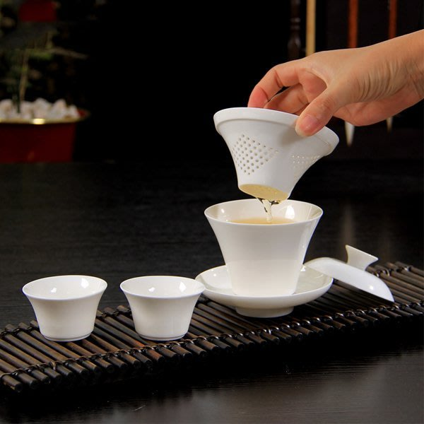 5Cgo【茗道】含稅會員有優惠   521655558189 旅行陶瓷茶杯蓋碗快客杯兩杯白瓷過濾功夫茶具套裝用品