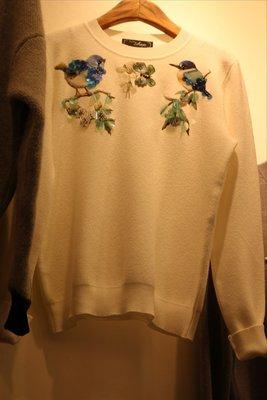♥出清 可純超取♥超美細緻花鳥立體綴飾造型厚針織上衣(白現貨一)  正韓