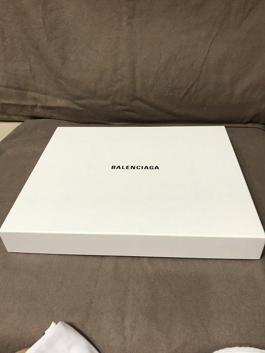 BALENCIAGA巴黎世家紙盒