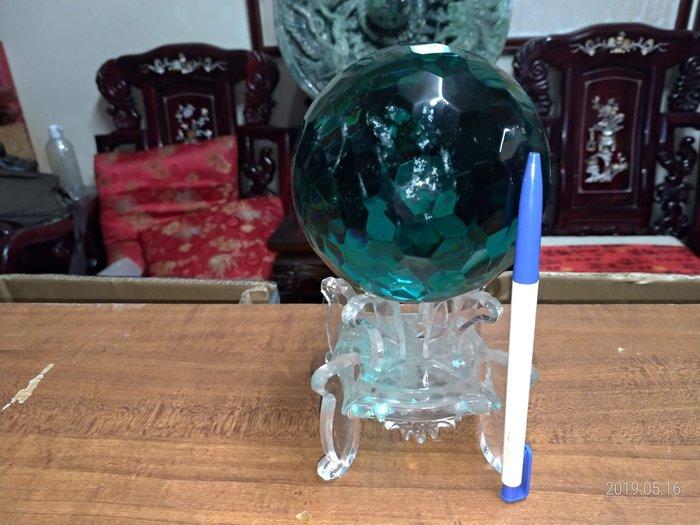 天然琉璃刻面球(有天然的白色棉絮狀內含物)直徑11公分底座9公分/全館商品滿5件或滿6000元免運費