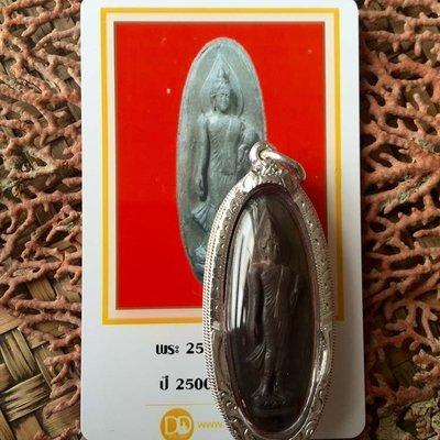 泰國佛牌正品行走佛寺廟2500年加持黑色貴模行走佛含證書貝葉泰佛 C6602