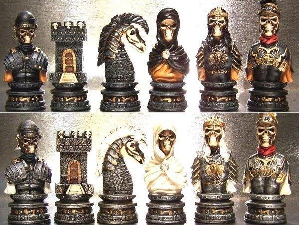 "VERO-手工彩繪-3"" 英吋 藍骷顱 vs 銀骷顱 西洋棋組 ]-立體人像 32棋含棋盤$5980【預訂品】"