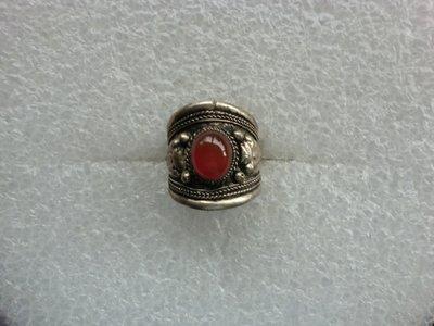 西藏老戒:藏銀.鑲紅瑪瑙