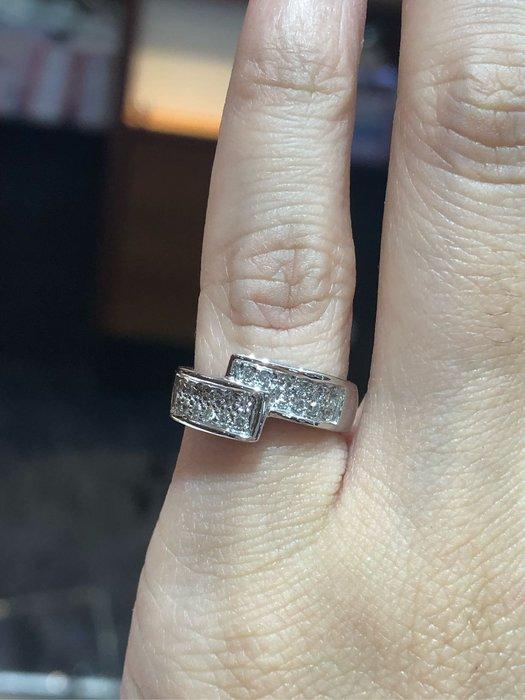 23分天然鑽石豪華造型戒指,出清特賣15800,厚金厚實戒台,滿天星款式閃亮大方