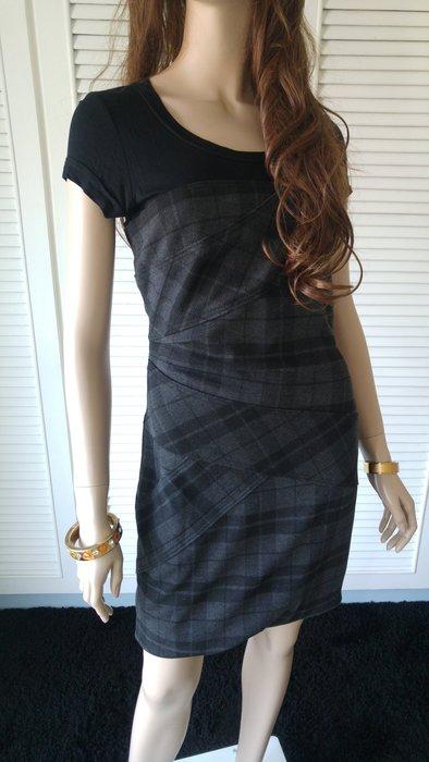 專櫃真品《BCBG》巴寶莉風格紋羊毛洋裝(原價$29800)