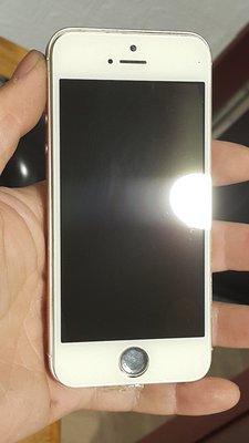 Apple iPhone SE A1723 64G 故障 零件機 螢幕目測無破 狀況:有拆過後不開機 品相如圖 後續不知