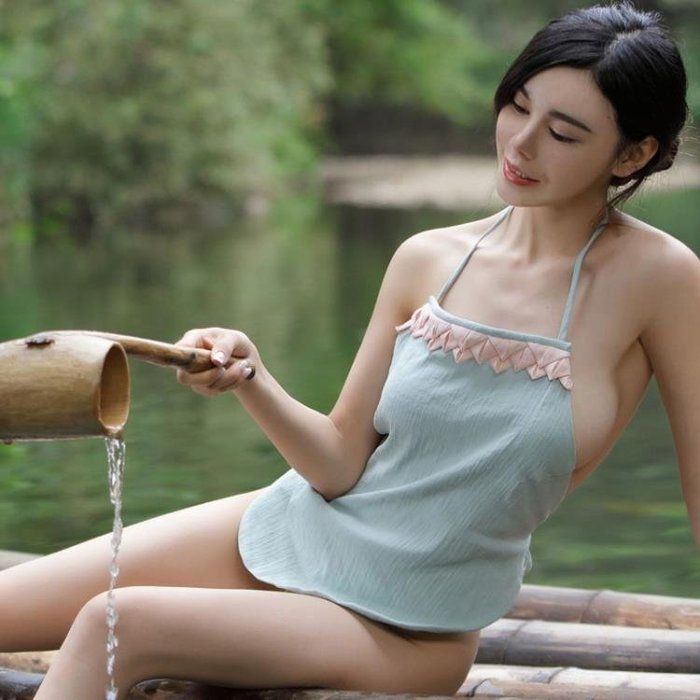 情趣肚兜式睡衣女士性感成人套內衣火辣古代宮廷透明吊帶民族風