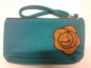絨布小花雙拉化妝包--藍 (原價109元)