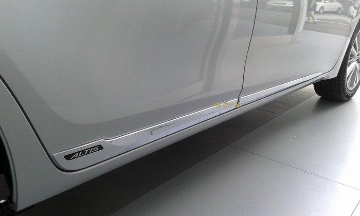 小金牛汽車百貨 * 14年 ALTIS 原廠型 鍍鉻 車身飾條 *