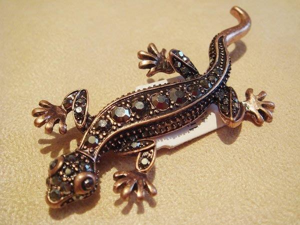 全新從未戴過, lia sophia 蜥蝪造型別針胸針,低價起標無底價!本商品免運費!