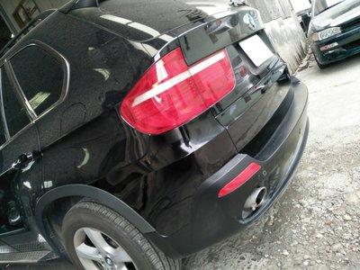 DJD19071549 BMW X5 E70 後保桿套件更換