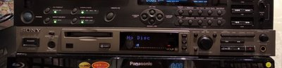 Sony MDS-E12 Professional MD recorder專業Mini disc 錄音機配備XLR in/out, 9成新,操作完美。