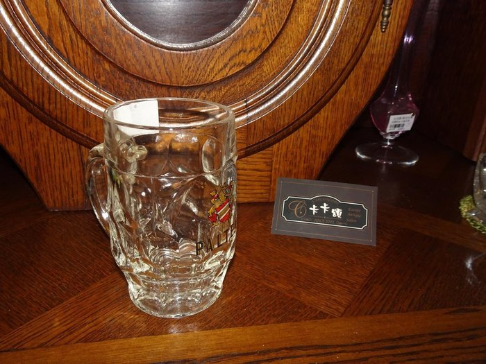 【卡卡頌 歐洲跳蚤市場/歐洲古董】歐洲老件_德國 LOGO 厚實質感 雕刻玻璃杯 啤酒杯 馬克杯 酒杯 g0236