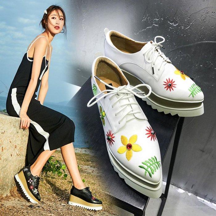 Fashion*厚底鞋 松糕鞋 真皮尖頭坡跟系帶女鞋 白色刺繡高跟鞋 潮鞋 白色*黑色 33-40碼