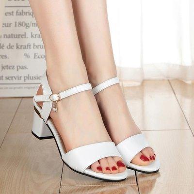 羅馬涼鞋新品夏季新款粗跟一字扣帶露趾高跟女士涼鞋百搭小碼羅馬中跟女鞋