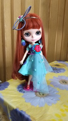 29cm Blythe doll of outfit dress n hair accessory n earring