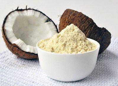 椰子粉4Kg大包裝,USDA 認證椰子麵粉,含有纖維可以烘焙麵包饅頭鬆餅,由椰肉磨製而成,也有椰子油以及椰糖