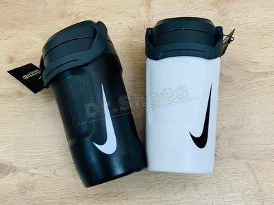 【Dr.Shoes 】Nike FUEL JUG 手提 運動 健身 巨無霸水壺 黑 AC4415-012 白121