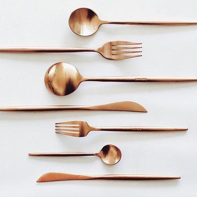 餐具組合 亦如堅硬的外表。leon玫瑰金不銹鋼勺子甜品叉牛排刀西餐餐具套裝