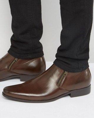 ◎美國代買◎ASOS側邊拉鏈短高筒尖楦頭設計英倫雅痞風尖頭拉鏈短高筒皮鞋~歐美街風~大尺碼