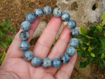 簡單Simple。現貨。30401號天然稀少深藍色海藍寶圓珠。手珠手鍊。12.2MM。