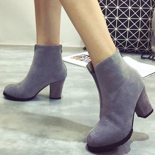 短靴  歐美時尚小V粗高跟短靴【S1377】☆雙兒網☆