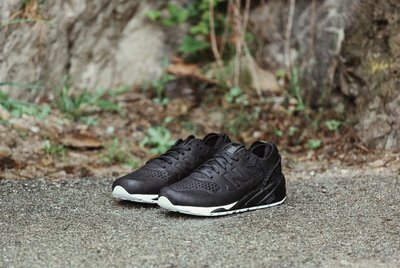 (預購商品) NEW BALANCE WINGS HORNS MRT580DW 黑色 麂皮 壓印 LOGO 復古 運動鞋