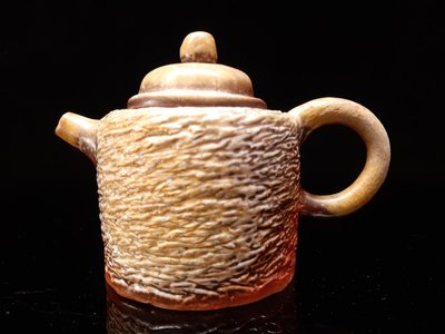 台灣柴燒壺~名家精美台灣手拉(捏)柴燒冰煙茶壺,第七屆金壺獎入圍作者手捏精緻柴燒壺,約230cc。