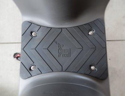 【魔速安全帽】ELK 平面橡膠腳踏 踏墊 GOGORO2 3 Ai1 宏佳騰 平穩 排水 抗震 止滑 載貨 橡膠 矽膠