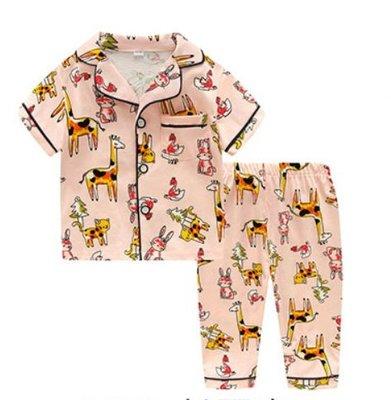 •*~ 辣媽咪衣飾小舖 ~*•❤童裝系列❤K950192韓版兒童夏款超可愛萌款『長頸鹿』圖案家居服上衣+長褲二件套