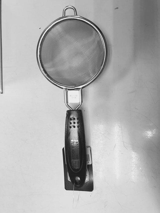 【無敵餐具】黑柄濾網/咖啡灑粉器(7cm) 咖啡店/咖啡粉/麵粉 專用器材 【CD0009】
