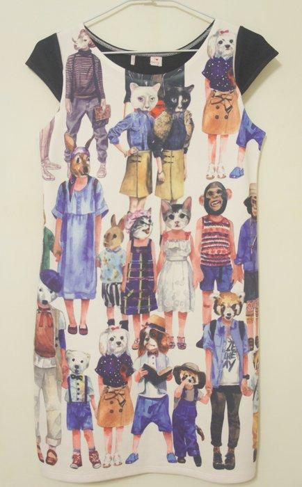 B512 - (全新) 設計師作品動物人物滿版設計洋裝