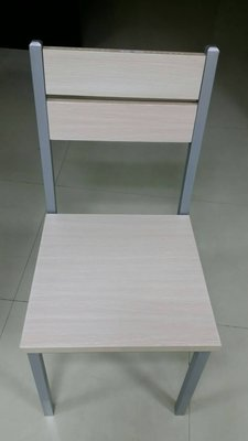 新竹二手家具收購-來來 全新 餐椅 白橡/胡桃 另有 餐桌竹北 二手傢俱買賣 實木 桌椅 茶几 沙發 衣櫥 中古家電收購